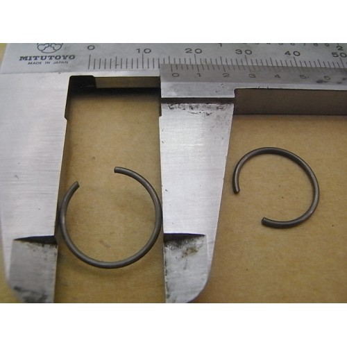 CIRCLIP D'AXE DE PISTON 13MM
